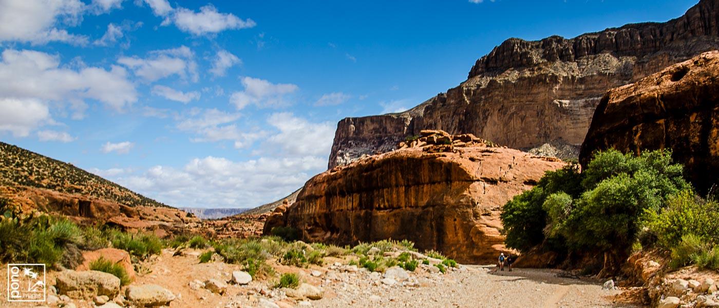 Hiking Havasu, along Havasu Falls Trail, Arizona | Pono Images
