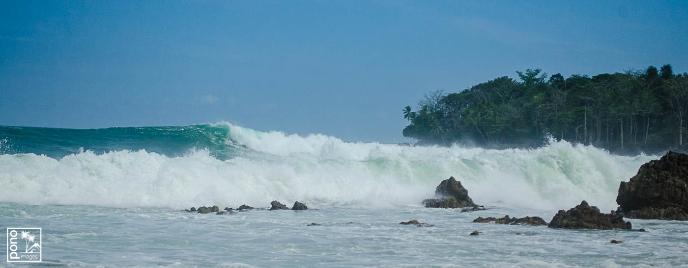 Breaking waves, Playa Pan Dulce, Costa Rica