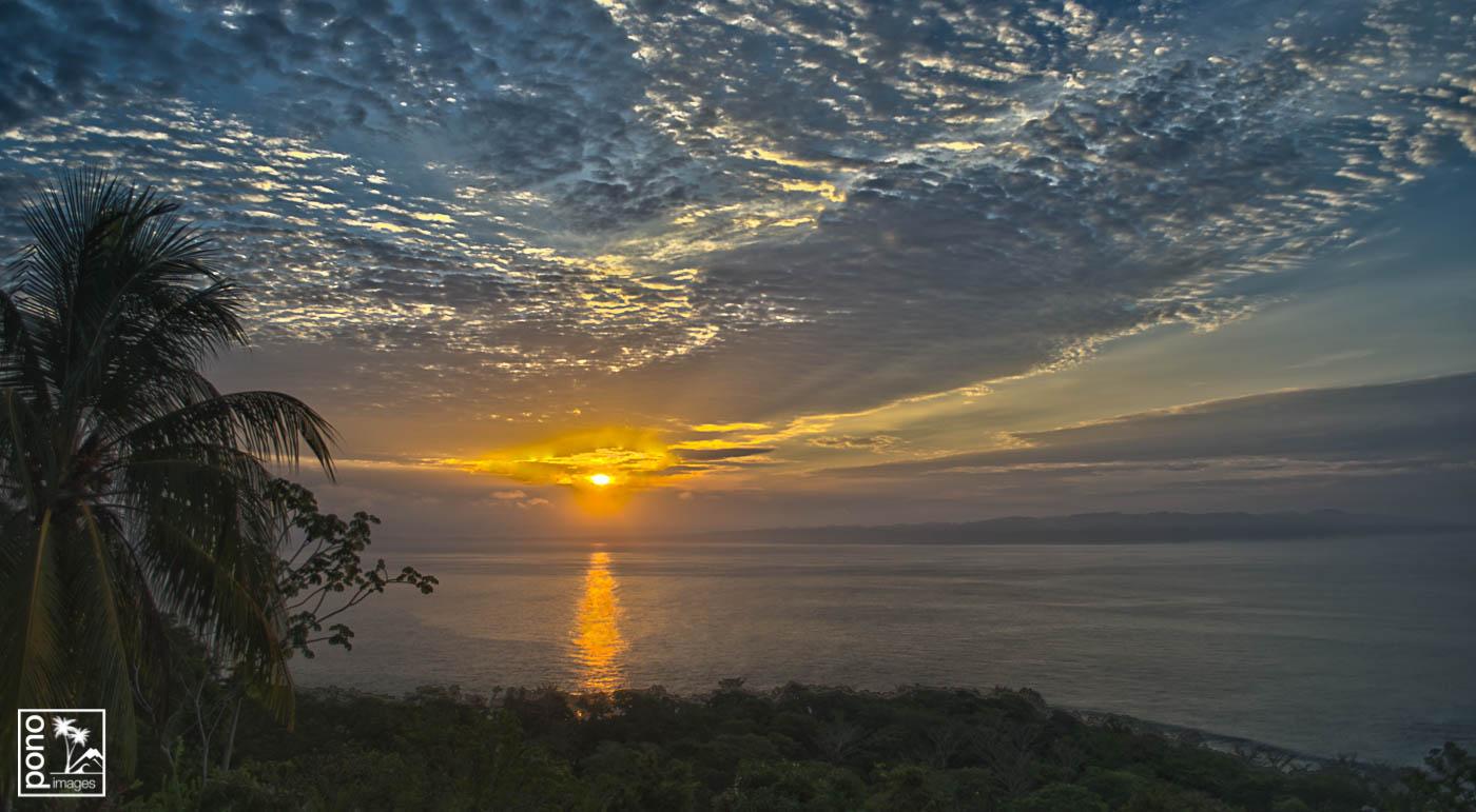 Tres Palmas Sunrise, Playa Pan Dulce, Costa Rica