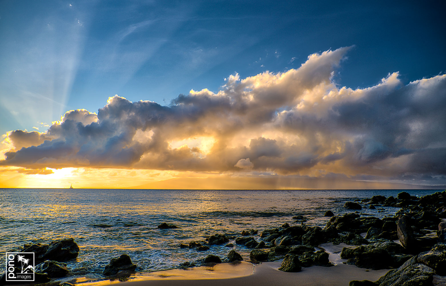 Moloka'i Sunset Showers | Pono Images