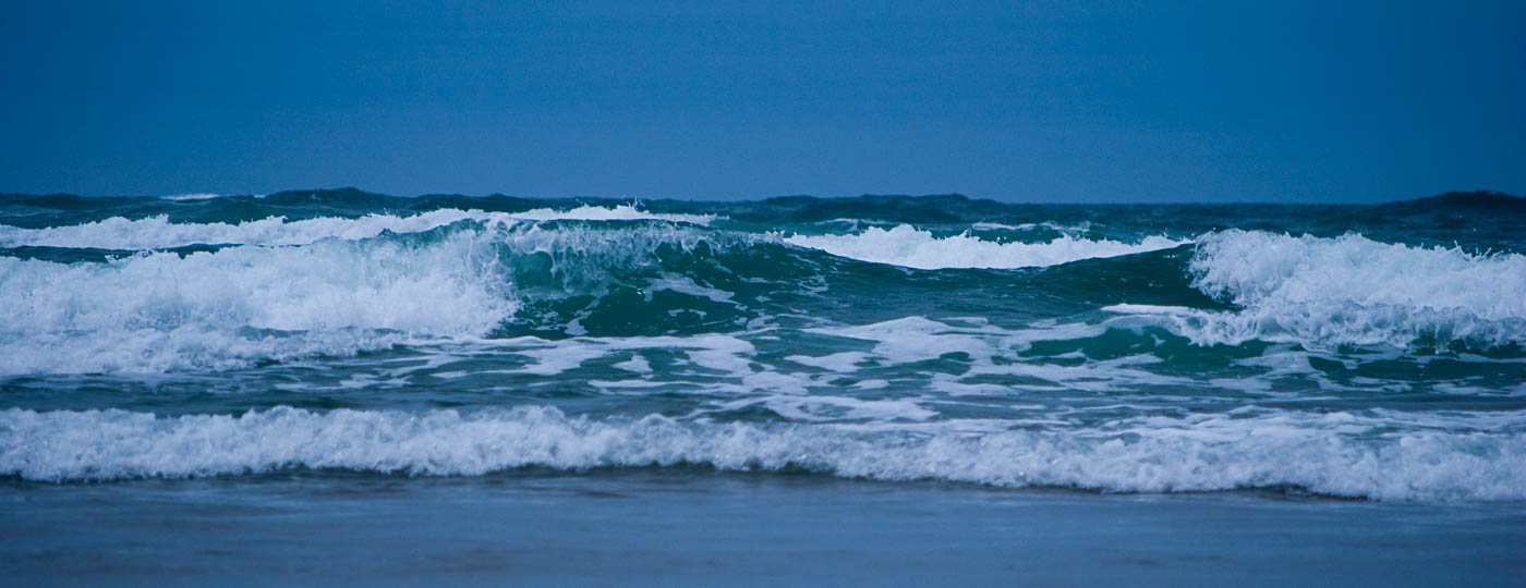 Rolling surf on Cannon Beach, Oregon | Pono Images