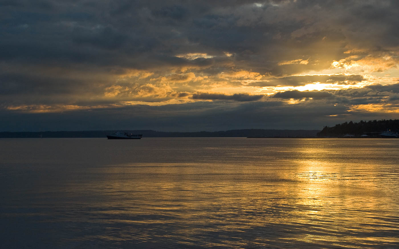 Last light, Puget Sound | Pono Images