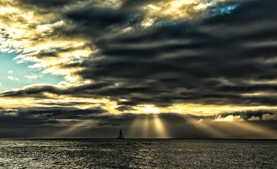 """Sunbeam Sunset"" - Hawai'ian Sunset Image by Pono Images"