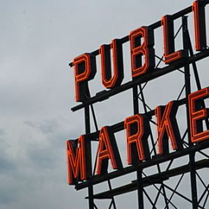 Pike Place Sign, Seattle | Photography by Pono Images